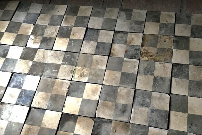 We found a great checked concrete vintage tile to use in the kitchenette in the guest quarters.
